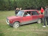 Андрющща учится ездить на машине
